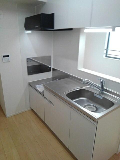 ベレッツァ レガーロ 304号室のキッチン