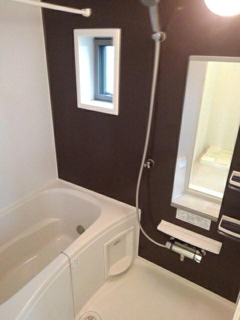 ベレッツァ レガーロ 304号室の洗面所