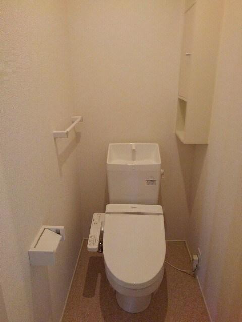 ベレッツァ レガーロ 304号室の風呂
