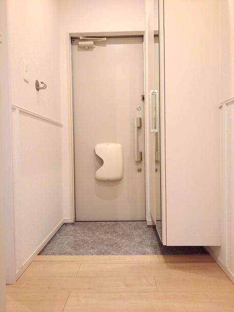 ベル フィオーレ 02040号室の玄関