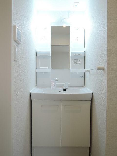 レガリア 301号室の洗面所
