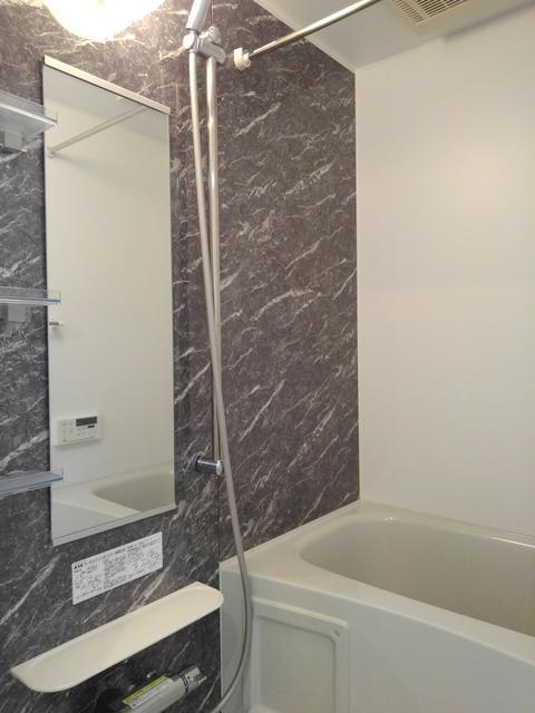 エラーブル港南 202号室の風呂