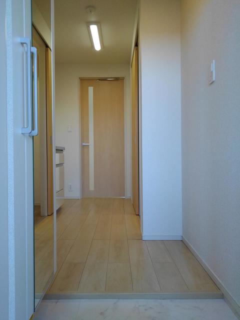 エラーブル港南 202号室のトイレ