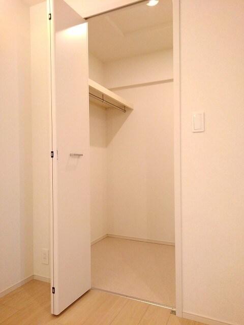 セゾン アキ 02040号室の収納