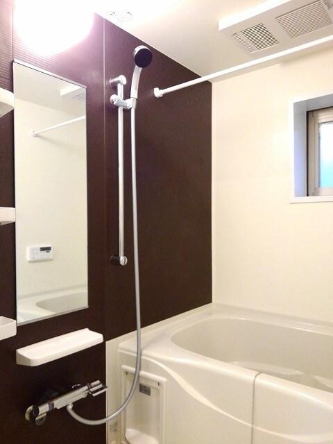 セゾン アキ 02040号室の風呂
