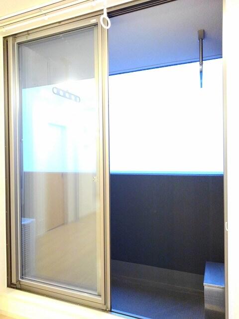 セゾン アキ 02040号室のバルコニー