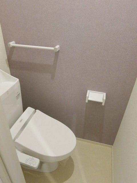 スカイ ピース ロード 203号室のトイレ