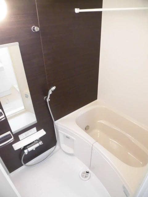 フラット ウエスト 02030号室の風呂