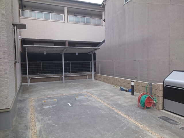 foresta 御所ノ内 302号室の駐車場