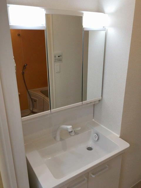 コリーナ稲熊 302号室の洗面所