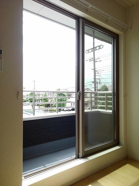 アリエッタ 02020号室のバルコニー