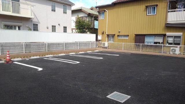 ベルオーブ 02010号室の駐車場