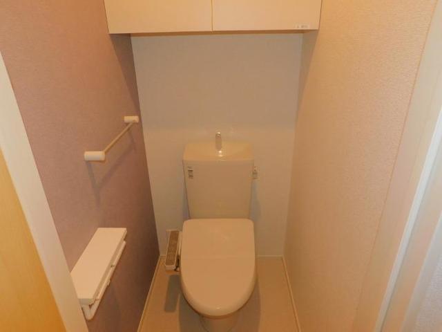 上戸祭町アパート 03020号室のトイレ
