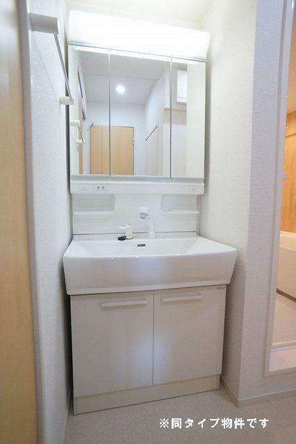 シュウ 01010号室の洗面所