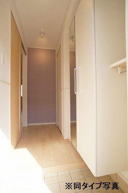 シュウ 01010号室の玄関