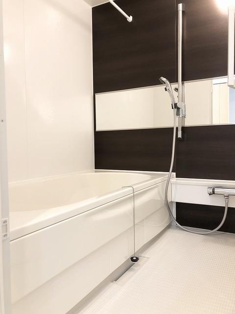 メゾンシャルムⅠ 01020号室の風呂