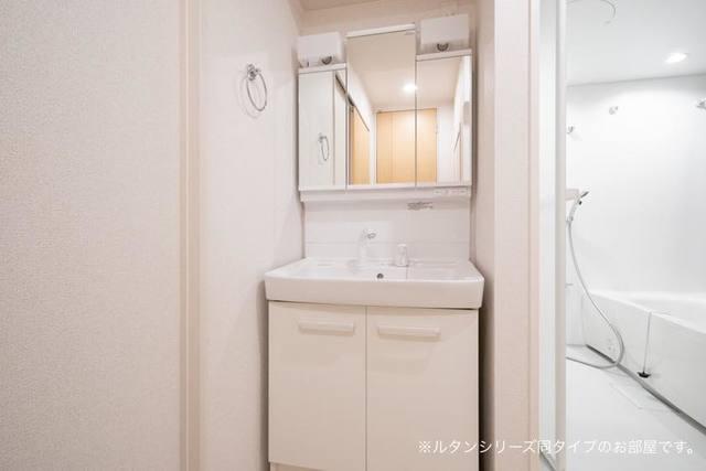プレジール 01010号室の洗面所