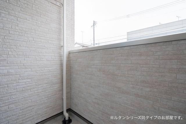 プレジール 01010号室のバルコニー