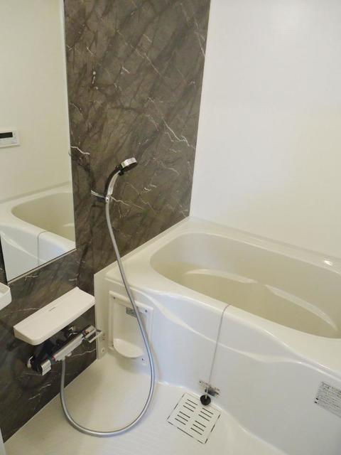 ブラン 仲之畑 101号室の風呂