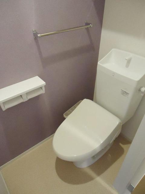 ブラン 仲之畑 101号室のトイレ