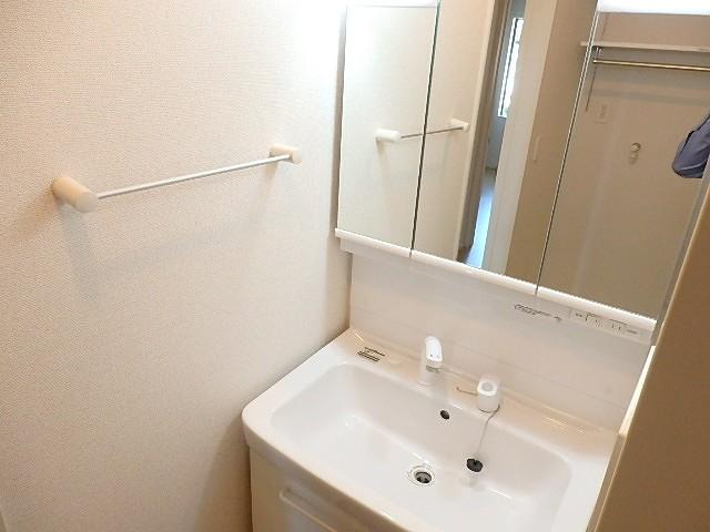浄雲クワトロ 203号室の洗面所