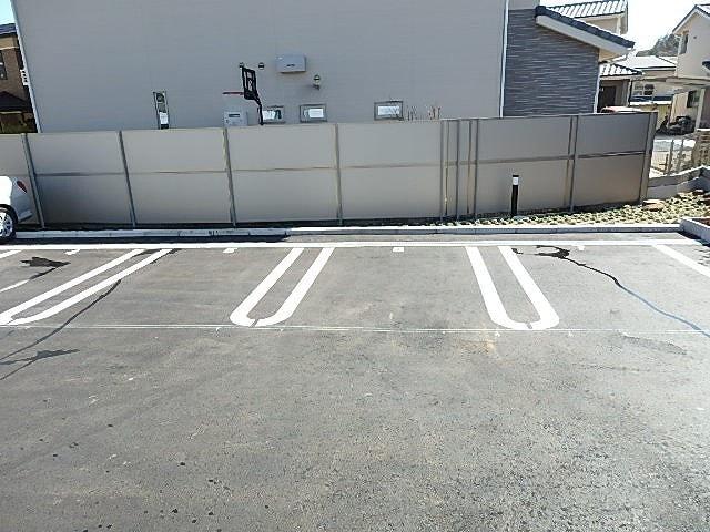 浄雲クワトロ 203号室の駐車場