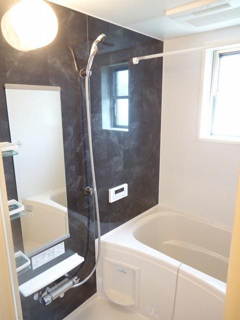 シャトレー 205号室の風呂