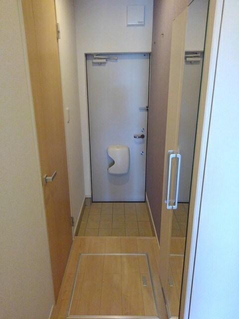 サニーフラット 103号室の玄関