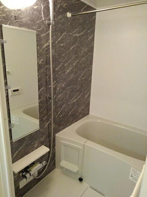 サニーフラット 103号室の風呂