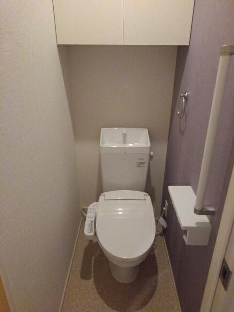 シダーコート 103号室のトイレ