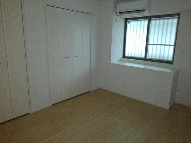 フルール小柳 105号室の居室