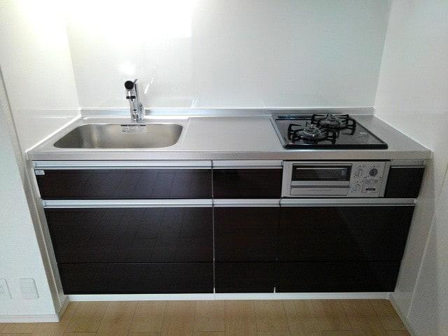 フルール小柳 203号室のキッチン