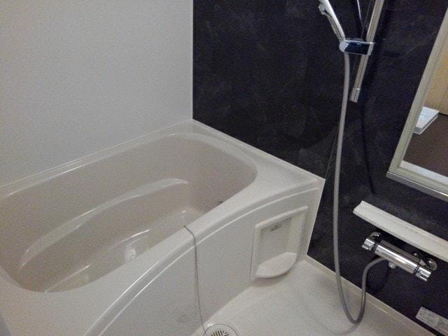 フルール小柳 203号室の風呂