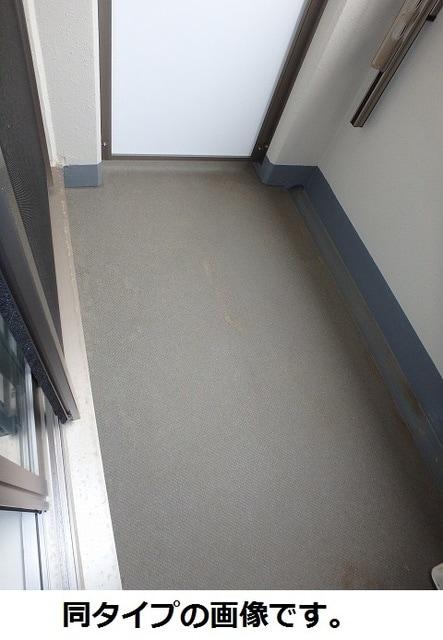 ベルフォース ルミエール 304号室のバルコニー