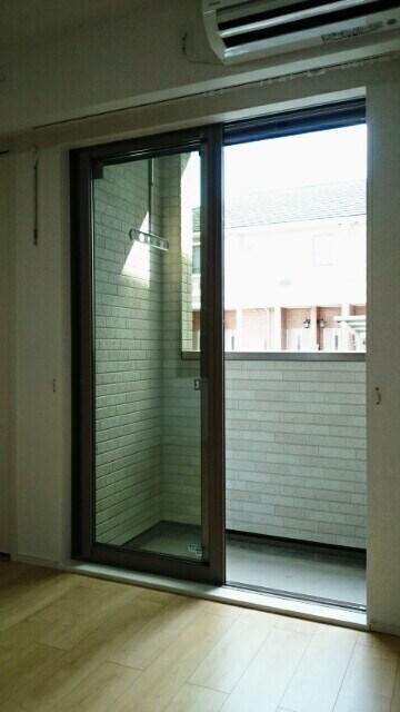 サニーウェル 105号室のバルコニー