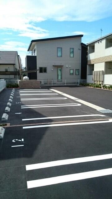 サニーウェル 105号室の駐車場
