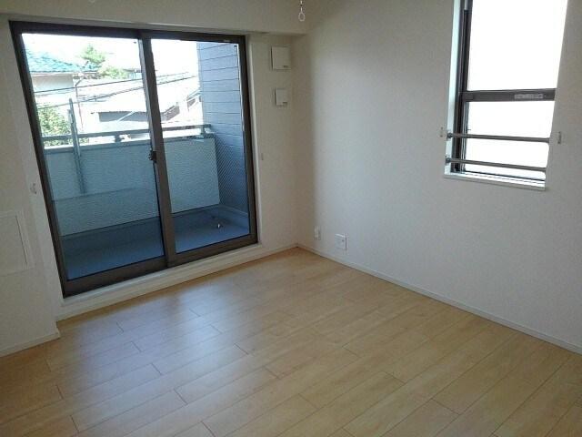 グリシーヌ 201号室の居室