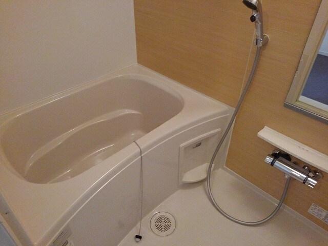 グリシーヌ 201号室の風呂
