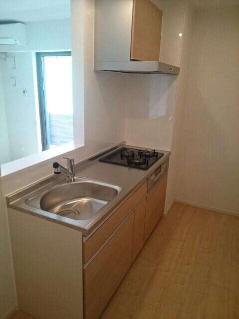 ウエスト コミタリアⅡ 103号室のキッチン