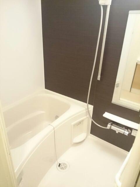 ウエスト コミタリアⅡ 103号室の風呂