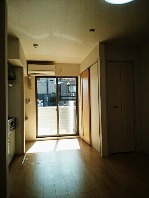 ルピナス 101号室の玄関
