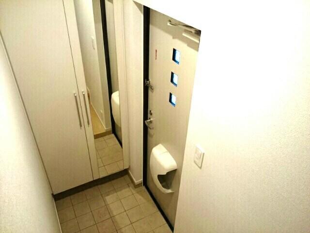 プレミレント 203号室のリビング