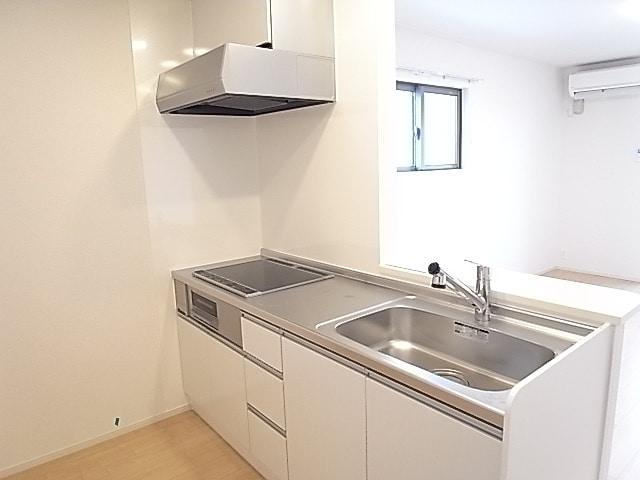 メゾンプリンスJ 108号室のキッチン