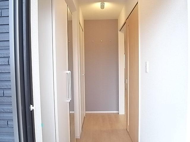 メゾンプリンスJ 108号室の玄関