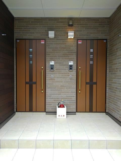 Maison de フルール 202号室の玄関