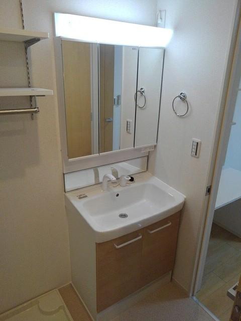 ブレイブC 203号室の洗面所