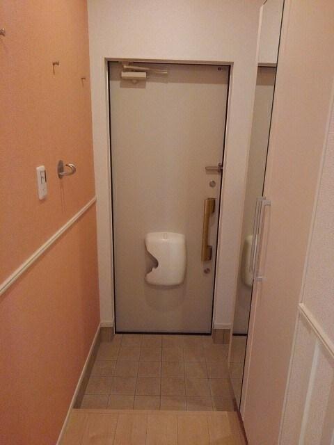 エスペランサ 105号室の玄関