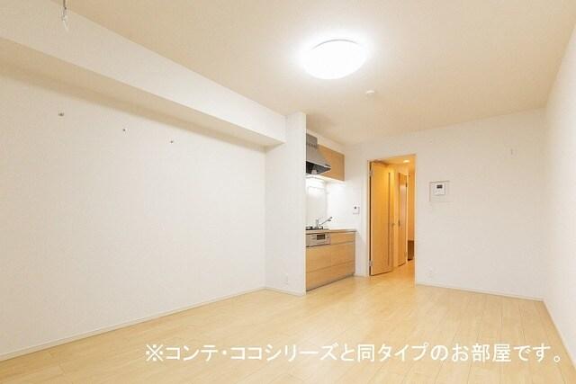 フォレスト 横須賀 202号室のリビング