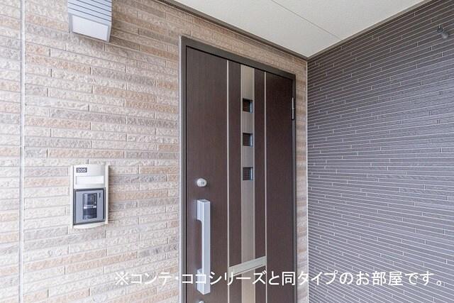 フォレスト 横須賀 206号室のエントランス