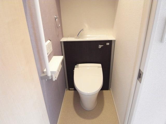 パティオ・デ・マルタ 102号室のトイレ